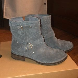 Ugg gray suede short boots
